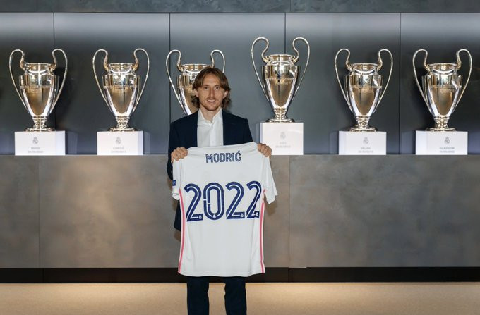 Real Madrid Luka Modric Signs One-year Contract Extension At The Club
